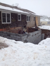 <h5>A Contractors Tale</h5><p>Laying the block - IN THE SNOW!</p>